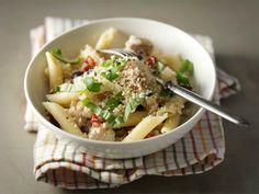 Juusto-broileripasta Penne, Pasta Salad, Risotto, Soup, Ethnic Recipes, Crab Pasta Salad, Soups, Pens