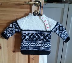 Osloanorakk, med Setesdalmønster. ca 1 år Christmas Sweaters, It Is Finished, Projects, Fashion, Breien, Log Projects, Moda, Blue Prints, Fashion Styles