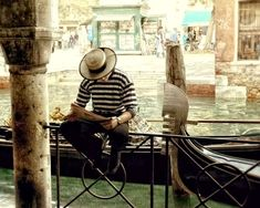 """Gondolier Photo - Venice Italy Gondolier • Print sizes: 5x7"""", 8x10"""", 11x14"""", 16x20"""", """"20x24"""", """"20x30"""", 24x30"""", """"30x40"""" • Horizontal Orientation • Frame not included • Printed on Professional archival…MoreMore #ItalyPhotography"""