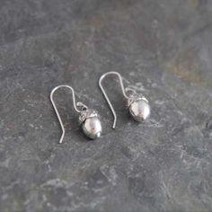 Fine Silver Acorn Earrings handmade by WildSilverJewellery on Etsy, Silver Earrings, Silver Jewelry, Drop Earrings, Unique Jewelry, Jewelry Ideas, Precious Metal Clay, Handmade Sterling Silver, Acorn, Clay Jewelry
