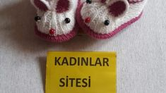 Yeni doğan yelek yapımı   Örgü Dantel ve El işleri Sitesi Knit Baby Dress, Baby Skirt, Baby Knitting Patterns, Tulum, Crochet Hats, Beanie, Classic, Knitted Baby Cardigan, Cute Clothes For Girls