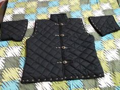 Amazon.com : Medieval thick padded BLACK COLOR gambeson aketon MEN Doublet arming jacket armor SCA LARP : Sports & Outdoors