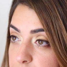 Calling all our brown-eyed baes! Make your eyes pop with these simple, very do-able tips from a celebrity makeup artist!