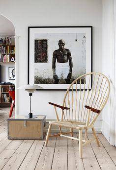 Maison Hand Lyon - mobilier PP Mobler - designer Hans J Wegner - modèle PP550 Peacock Chair - photo Mikkel Adsbol