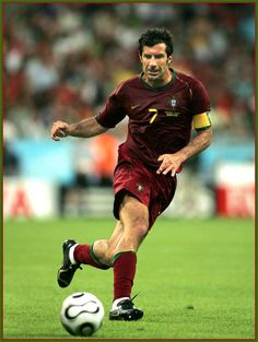 Luis Figo former attacking midfielder Sporting CP, FC Barcelona, Real Madrid and Internazionale and the Portuguese national football team Good Soccer Players, Best Football Players, National Football Teams, Fifa 100, Soccer World, World Football, Football Icon, Football Jerseys, Messi Y Ronaldinho