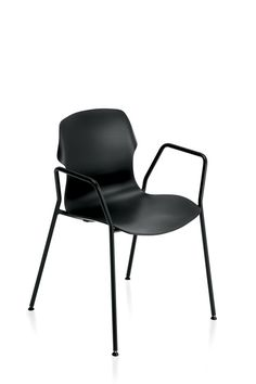 #emmegi #emmegiseating #STEREO #community #conferencehall #home #office A 4-leg stackable chair that is ideal for various contexts such as conference halls, libraries, homes, offices and cafés.  Its polypropylene structure, with a gloss finish at the rear and a matt finish at the front, is the principle behind all the variations of the concept.