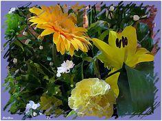 E' un'esplosione di allegria ...quando gerbere,... lilium, garofani e zantedeschie, tutti rigorosamente gialli, si uniscono a fiori bianchi e verdi in una solare, sontuosa corbeille by http://ilmioblogdiprova.over-blog.it/il-colore-giallo