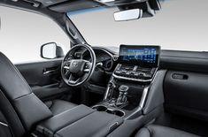 Toyota официально представила в России абсолютно новое поколение легенды – Toyota Land Cruiser 300. Долгожданная премьера состоялась в год 70-летия культового семейства автомобилей. Начиная с1951 года внедорожникиLand Cruiserзарабатывали репутацию покорителей самых трудных маршрутов и�