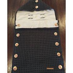Vandaag deze Maxicosi voetenzak afgemaakt! #hipenstoer #haken #crochet #handgemaakt #handgemaakt #maxicosi #voetenzak #custommade