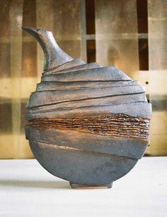 by corovan on DeviantArt krukker seramik. by corovan on DeviantArt Pottery Handbuilding, Raku Pottery, Pottery Sculpture, Slab Pottery, Slab Ceramics, Porcelain Ceramics, Design Vase, Sculptures Céramiques, Clay Vase