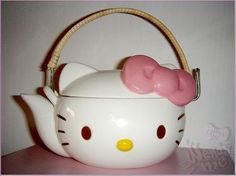tea and hello kitty, what else do you need?