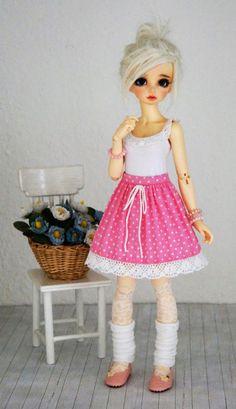 Skirt for slim BJD MSD 1/4 Minifee by Karapisdiza on Etsy