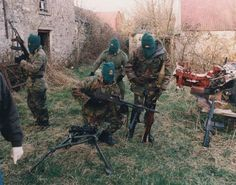 Volunteers of an Active Service Unit (ASU) of the Irish Republican Army preparing for a foot-patrol, British Occupied North of Ireland, 1994 Northern Ireland Troubles, Irish Republican Army, Political Strategy, Bradford City, The Ira, Michael Collins, War Photography, Irish Celtic, Wrestling