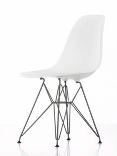 Chaise eames plastic side chair dsr avec ou sans for Chaise coque eames