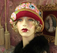 1920 S VINTAGE GATSBY WINE & GOLD RIBBONWORK CLOCHE FLAPPER HAT
