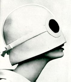 André Courrèges 1964 'Space Age' collection - pinned by RokStarroad.com