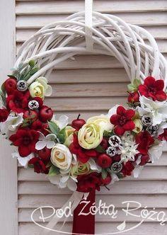 wianek wiosenny2 Willow Wreath, Grapevine Wreath, Easter Flowers, Spring Flowers, Christmas Flower Arrangements, Kitchen Sinks, Grape Vines, Christmas Wreaths, Interior Decorating