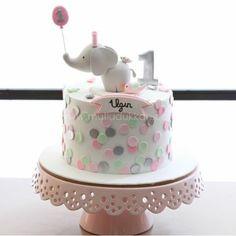 Elephant Birthday Cakes, Baby Elephant Cake, 1st Birthday Cake For Girls, Baby Birthday Cakes, Baby Cakes, Girl Cakes, Fondant Cakes, Cupcake Cakes, Birtday Cake