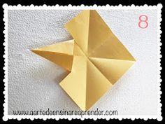 A Arte de Ensinar e Aprender: Estrela 3D em dobradura Coasters, 3d, Wind Rose, Diy Creative Ideas, Crafts, Creativity, Teaching, Stars, Glass Display Case