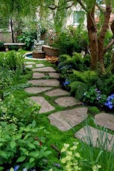 Gorgeous Front Yard Courtyard Landscaping Ideas 48