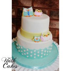 Owls themed baby shower cake.