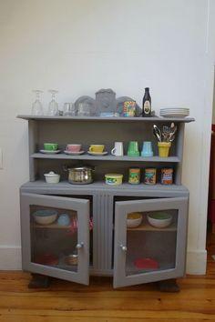 Le mien, le leur... Diy Toys And Games, Childrens Kitchens, Vintage Buffet, Buffet Cabinet, Corner House, Home Staging, Kids Furniture, Diy For Kids, Kids Bedroom