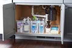 Idea for under the kitchen sink organization using bins that are can be changed and reorganized as need. From the Container Store. Home Organization Hacks, Bathroom Organization, Bathroom Storage, Organising Tips, Fridge Organization, Organizing Ideas, Under Sink Storage, Diy Kitchen Storage, Organize Under Sink