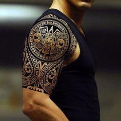 tatuajes aztecas para hombres en el brazo