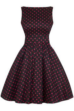 Šaty Lady V London Black and Pink Polka Tea Retro šaty ve stylu 50. let. Nádherné šaty z londýnské módní dílny Lady V London. Elegantní černá s růžovým puntíkem, vyjít si v nich můžete jak do společnosti, tak na schůzku nebo do práce. Dolaďte je vyššími podpatky, psaníčkem a zajímavým šperkem a vždy budete šik. Příjemný pružný materiál (97% bavlna, 3% elastan), pohodlný střih s lodičkovým výstřihem, vzadu lehce vykrojené se zapínáním na zip a vázačkou zajistí skvělé přilnutí k vaší postavě.
