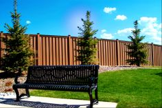 Are you looking for horizontal fencing? Trex fencing has quite fetching with detailed design. However, some disadvantages are considerable in the choice. Trex Fencing, Welded Wire Fence, Building A Fence, Privacy Fences, Modern Fence, Wood Vinyl, Composite Decking, Before And After Pictures, Fence Design