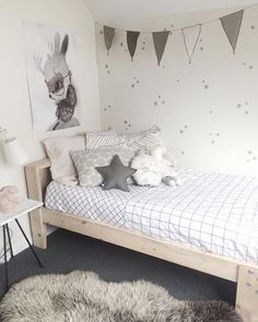 home inspiration: GREY & WHITE KIDS BEDROOMS http://bellamumma.com/2016/10/home-inspiration-grey-white-kids-bedrooms.html?utm_campaign=coschedule&utm_source=pinterest&utm_medium=nikki%20yazxhi%20%40bellamumma&utm_content=home%20inspiration%3A%3CBR%3E%20GREY%20and%20WHITE%20KIDS%20BEDROOMS