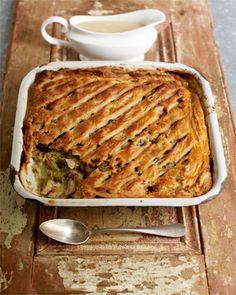 Turkey and sweet leek pie. Christmas leftovers dinner recipe by Jamie Oliver. Turkey And Leek Pie, Turkey Pie, Turkey Chicken, Turkey Soup, Pie Recipes, Chicken Recipes, Cooking Recipes, Pastries Recipes, Leftover Turkey Recipes