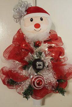 Santa Wreath, Deco Mesh Christmas Wreath, Christmas Wreath, Santa Deco Mesh Tree, Santsa Wreaths, Deco Mesh Santa Lighted by WEEDsByRose on Etsy