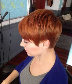 Pixie haircuts are great for sassy short red hairstyles which would really be appreciated by moms, because of the minimal amount of effort they need to look. Red Pixie Haircut, Pixie Bob Hairstyles, Haircut And Color, Short Hairstyles For Women, Haircuts, Short Red Hair, Very Short Hair, Short Hair Cuts, Short Hair Styles