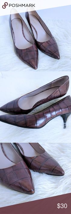 NINE WEST | Good News pump Brown crocodile leather, excellent condition. Very gently pre worn. Minor wear on inside of shoe at ball of foot on left side.  Stacked wooden heel, has a few scratches, only visible at close range. (See second to last photo).   Heel height: 2.75 inches Nine West Shoes Heels