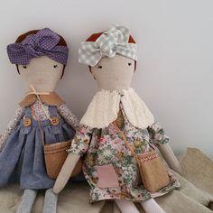 Such cute cloth dolls.