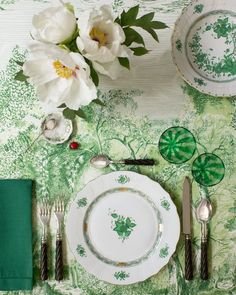 St Patty's Day Table Beautiful table by David Stark. flatware: Alain Saint Joanis, glassware: Laguna B, Plates: Herendon; Place Settings, Table Settings, Setting Table, Dresser La Table, Green Table, Decoration Table, Home Interior, Tablescapes, Greenery