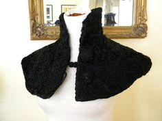 Image result for sexy victorian shawl Victorian Collar, Victorian Steampunk, Festival Costumes, Goth Women, Capelet, Clothes For Women, Trending Outfits, Sexy, Furs