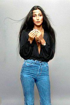 Five decades of Cher outfits Fall Hair Cuts, Long Hair Cuts, Short Hair, Straight Hair, Throwback Outfits, Retro Outfits, Moda Fashion, Retro Fashion, 1970s Fashion For Women