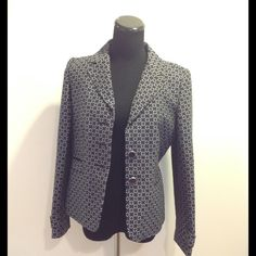 Ann Taylor Patterned Blazer Missing the top button and the middle button needs sewn on it is being held on by a pin currently. Ann Taylor Jackets & Coats Blazers