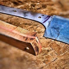 #pnw #northwesterner #islandlife #pacificnorthwest #rootblade #rustic #cutlery #makersgonnamake #rusticcutlery #bladesmith #knife #bladesmithing #knifemaking #knifemaker #handmade #knives #knifecommunity #customknives #knifeporn #blacksmith #forge #forged #customknife #bladesmiths #handmadeknives #blade #blacksmithing #woodenhandle #cheflife