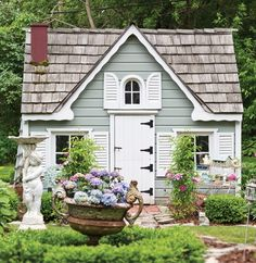 A Shabby Chic Cottage and Garden. Check it out.