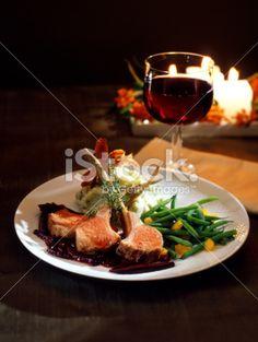 Illallinenkin maistuu paremmalta kynttilän valossa.