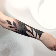 What's your favorite tattoo by 🇦🇺 Australia, Sydney / - Submit your works:… Black Ink Tattoos, Body Art Tattoos, New Tattoos, Sleeve Tattoos, Tattoos For Guys, Tattoos For Women, Cool Tattoos, Mangas Tattoo, Graphic Design Tattoos