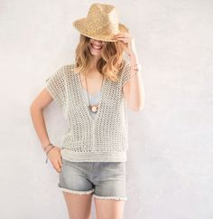 Crochet pattern Shirt- Haakpatroon Shirt Crochet patterned ladies shirt with short sleeves by Phil coton 3 - Pull Crochet, Crochet Fall, Knit Crochet, Christmas Knitting Patterns, Dress Gloves, Yarn Brands, Knitting Yarn, Crochet Clothes, Jackets
