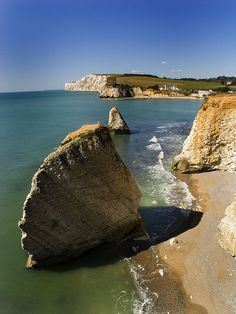 Day trip to Portsmouth Isle of Wight with UK Study Tours Isle Of Wight Shared by Motorcycle Fairings - Motocc Places To Travel, Places To See, Ile De Wight, New Forest, England Uk, Portsmouth, British Isles, Day Trip, Hampshire