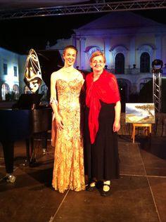 Eindrücke vom Kultursommer Schloss Kittsee: Maja Fluri und Tanja Stern Friends, Fashion, Star, Amigos, Moda, Fashion Styles, Fashion Illustrations, Boyfriends