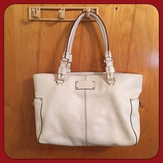 Kate Spade Bag White Kate spade purse. 16.5' width 12' height. Has subtle burgundy trim and the inside contains large zipper section divider. To note, it does have subtle imperfections but are not noticeable unless thoroughly examined. It still is a great bag!  kate spade Bags