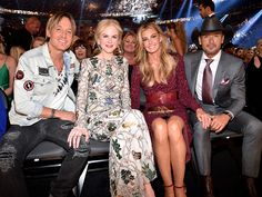 (L-R) Recording artist Keith Urban, actor Nicole Kidman, and recording artists Faith Hill and Tim McGraw attend the Academy Of Country Music Awards at T-Mobile Arena on April 2017 in Las Vegas, Nevada. (Photo by Kevin Images for ACM) Country Music Awards, Country Music Artists, Country Singers, Country Couples, Cute Couples, Tim Mcgraw Family, Tim And Faith, Tim Mcgraw Faith Hill, Keith Urban