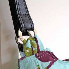 Emmaline Bags: Sewing Patterns and Purse Supplies: Make Your Own Vinyl/Leather Look Handbag Straps - A Tutorial